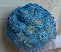 Niebieskie lub biało niebieskie bukiety