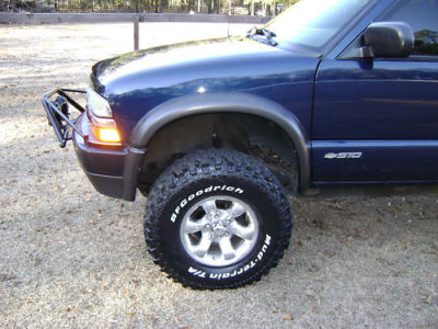 on 2003 Chevy S10 Engine