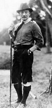 Robert Baden-Powell podczas pierwszego obozu skautowego na Wyspie Brownsea