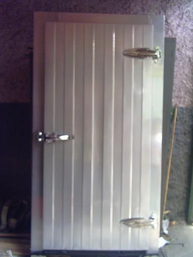 Abc american solo frio camaras de refrigeracion for Puerta galvanizada