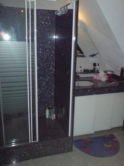 Fliesenleger a cordio dusche aus granit for Granit dusche
