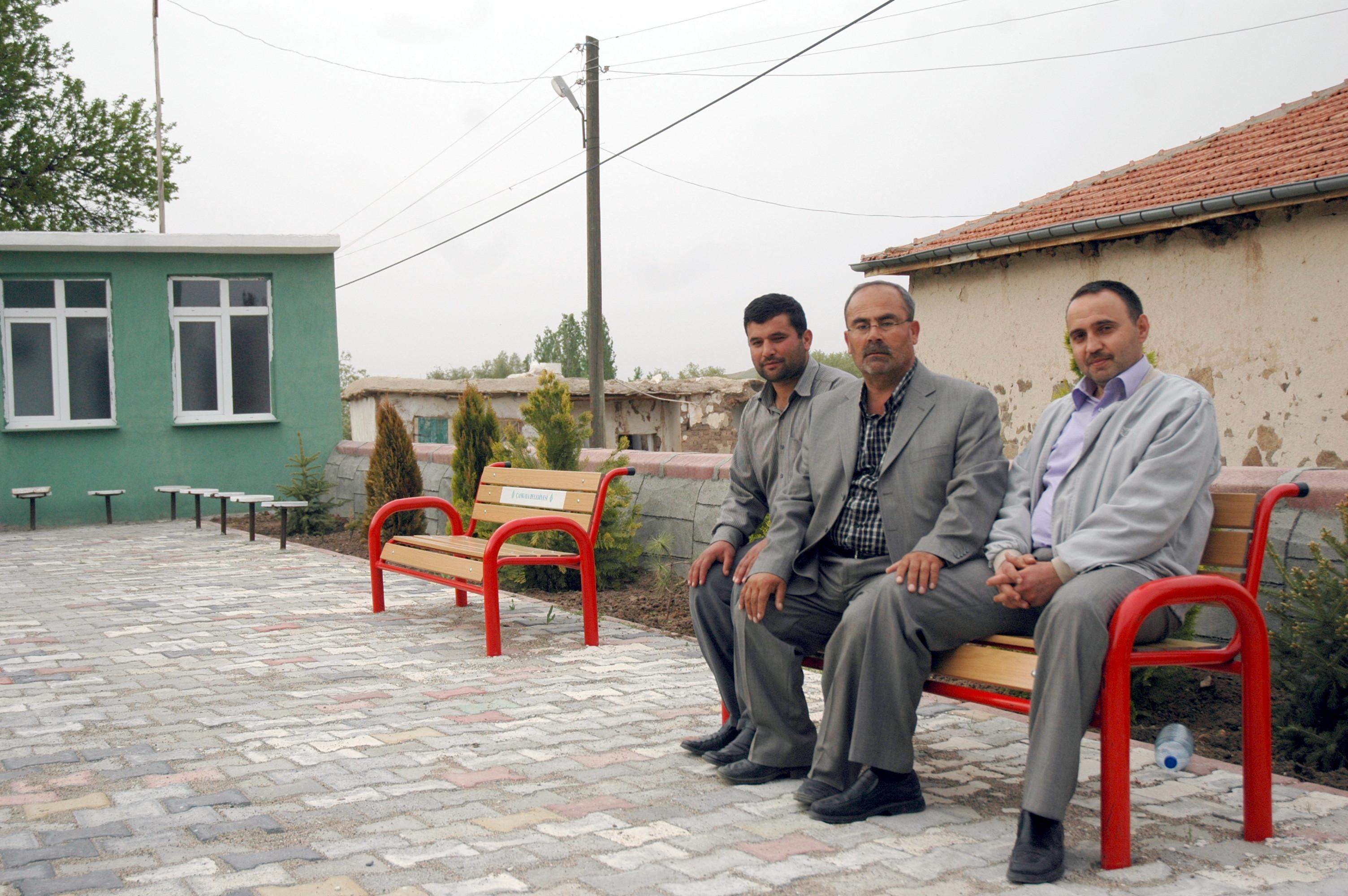 Çalıburnu Köyü Camii Bahçesi