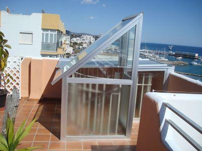 Aluminios aludecor marbella salida de escalera de - Escaleras de techo ...