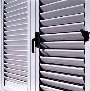 Aluminios gallen persianas y mallorquinas for Ventanas con persianas incorporadas