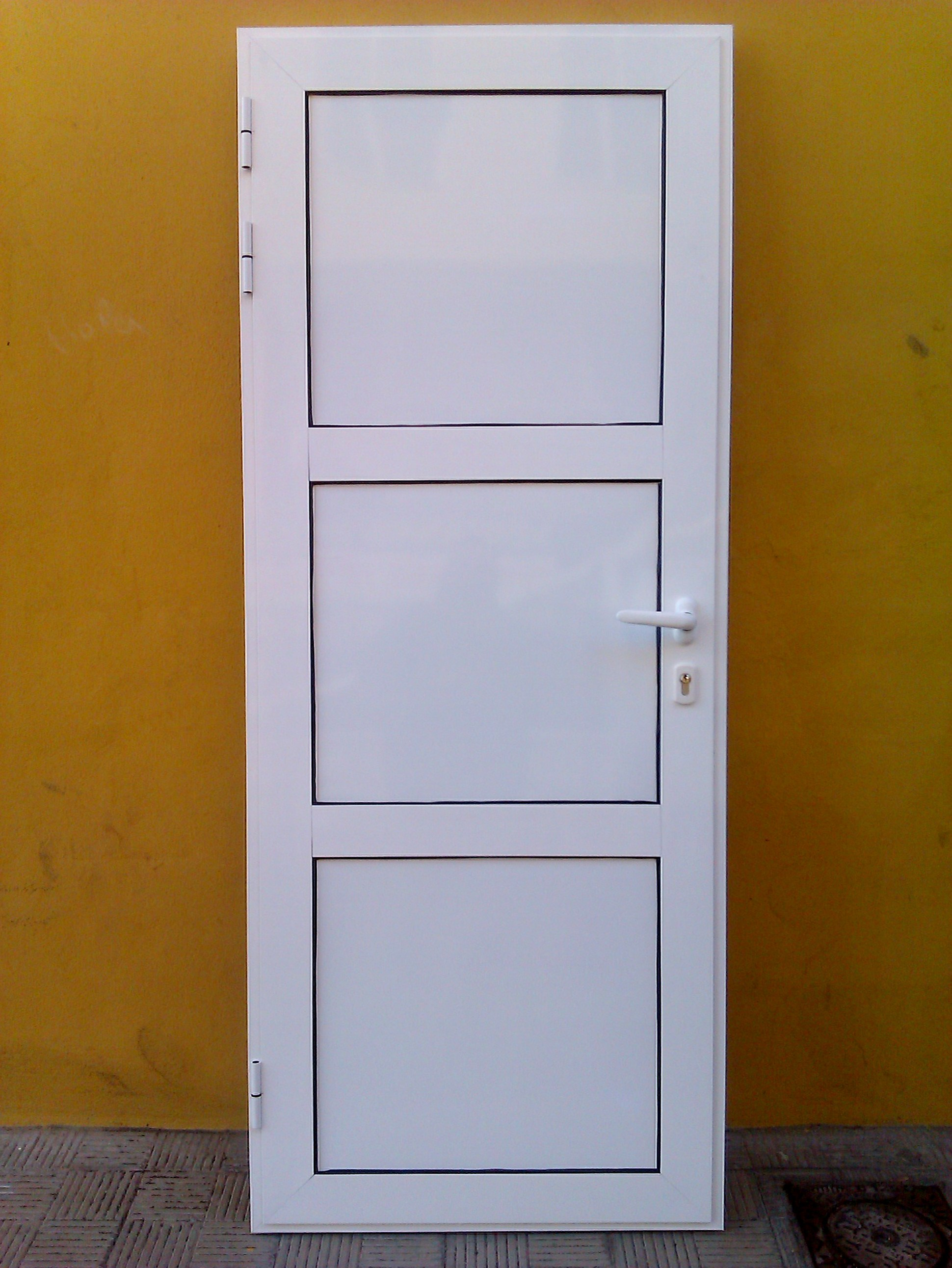 Aluminios gi como galer a de fotos for Modelo de puertas para habitaciones modernas