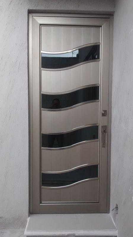 Todo en aluminio y vidrio dise os for Fotos de puertas metalicas modernas