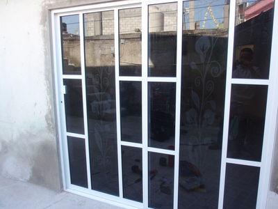 Puertas Exteriores De Aluminio #2: P7111320.JPG