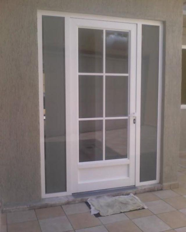 Todo en aluminio y vidrio dise os for Puertas de aluminio y vidrio modernas