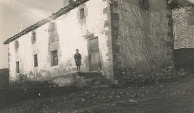 La escuela de Añezkar hacia 1940