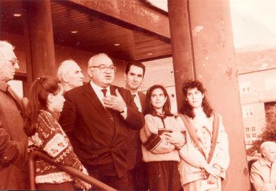 Detrás de Javier Gómara en la inaguración de la Casa del Ayuntamiento de Berriplano