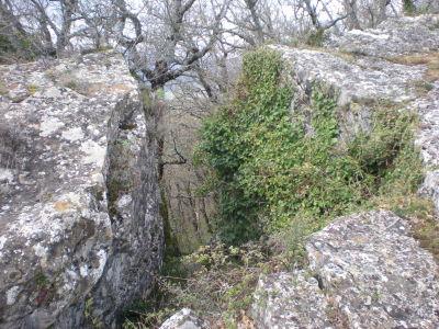 Paso entre rocas