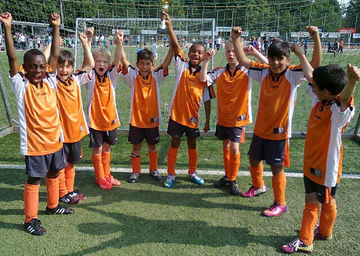 Großer Pokal für Ballfreunde Bergeborbeck F2 am 13.07.2013