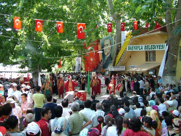 Başyayla'nın Geleneksel Kiraz Festivali