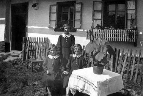 Die Schwestern 1938