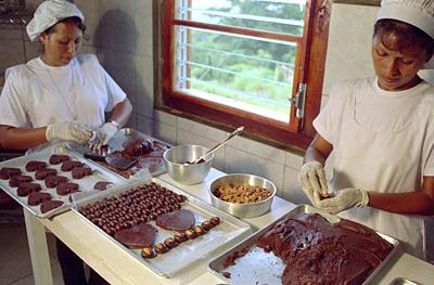 evde çikolata yapımı-evde çikolata nasıl yapılır-çikolata yapımı çikolata nasıl yapılır-çikolata nasıl yapılır video-sıcak çikolata nasıl yapılır-çikolata neden yapılır-çikolata nedir-çikolata nasıl yapılır izle