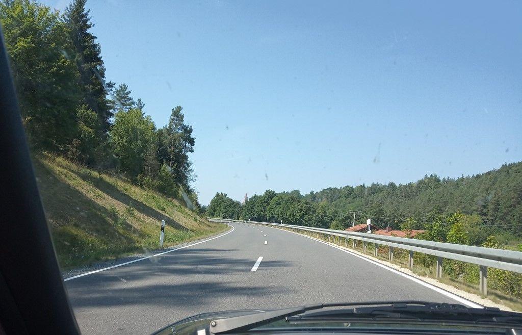 [Bild: Road2%20(Foren).jpg]