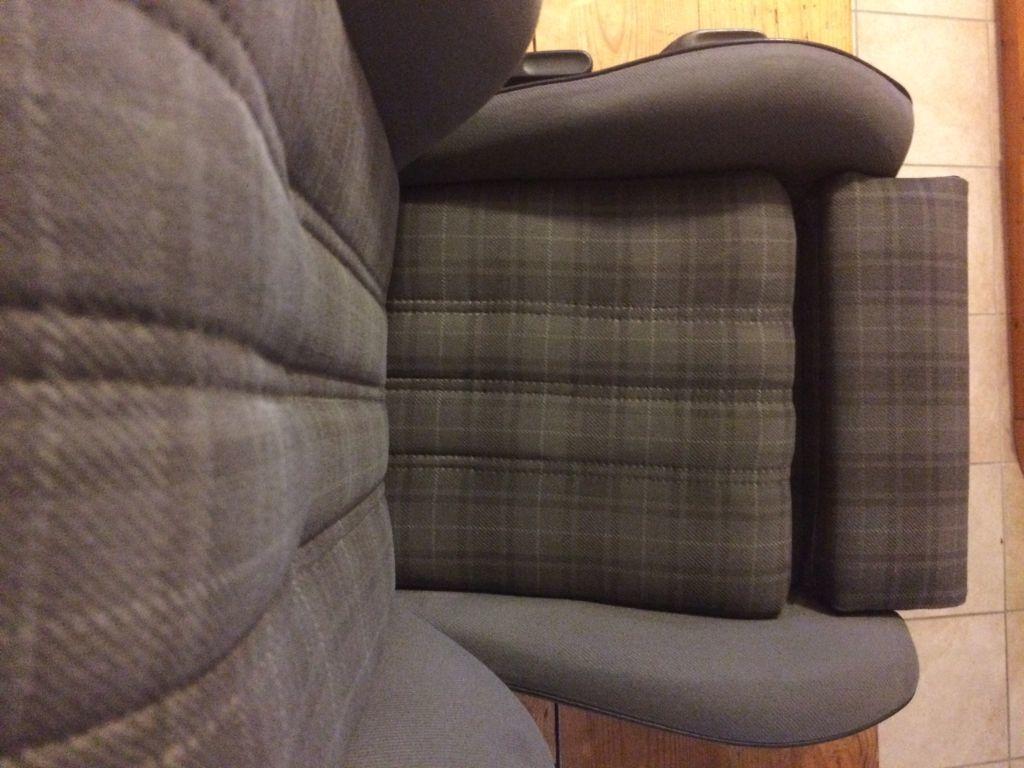 Sitz_neu_bezogen_k.jpg