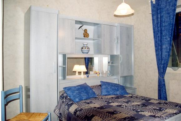 chambres d 39 hotes figeac viazac lot annie ren chambre les bleuets. Black Bedroom Furniture Sets. Home Design Ideas