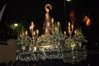 El Trono con Nuestra Señora de la Soledad en la Procesión del Viernes Santo 2008