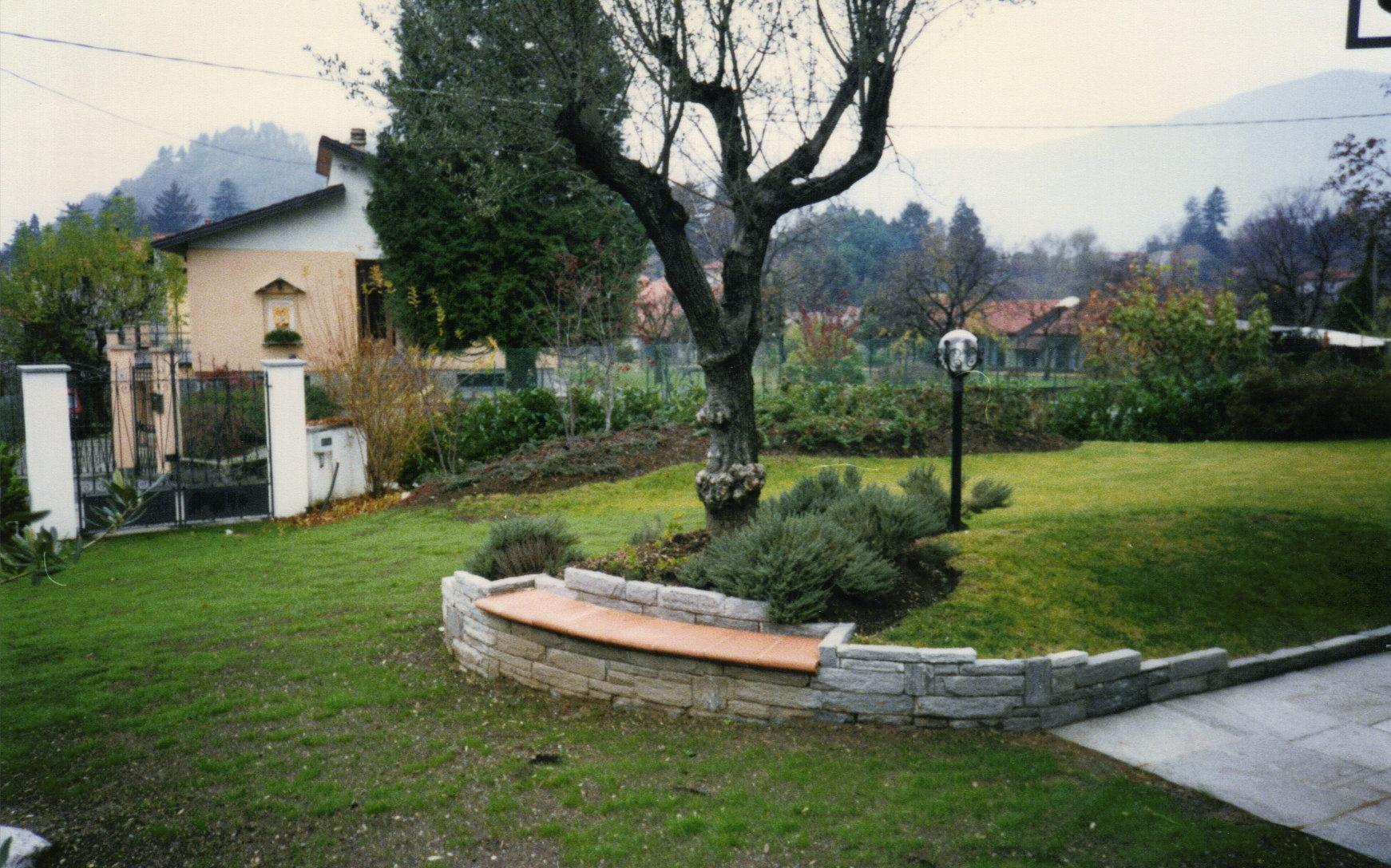Comunetti pietre e graniti giardini for Esempi di giardini