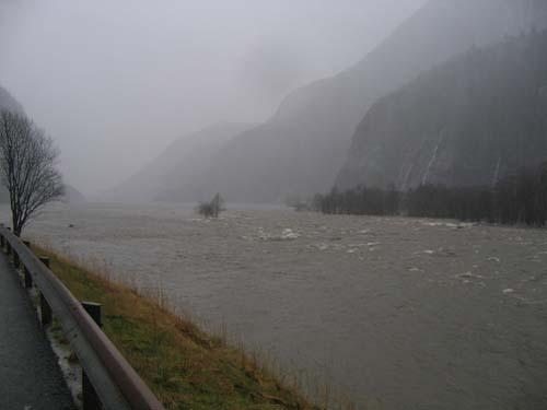 I Hagahølen regnar ein med at det passerte godt over 350m3 i sekundet! Foto: Ole Andreas Dale