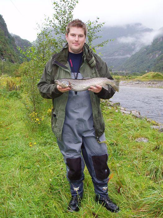 Roald Arne Kvamme med fin aure på 1,75kg teke 14.august. Foto: Roald A.Kvamme