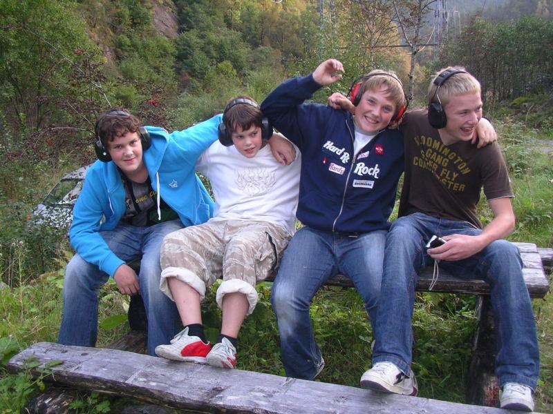Fleire juniorar deltok også i VM i leirdueskyting. Foto: Harald Lyngmo