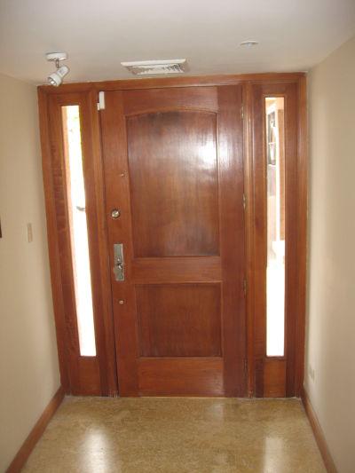 Daniel el carpintero puertas for Modelos de puertas madera con vidrio