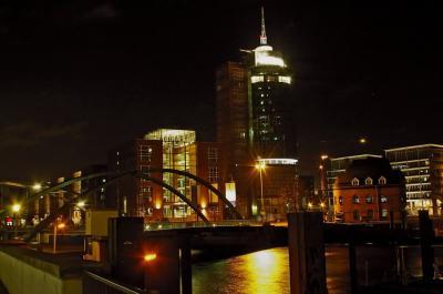 Blick von den Landungsbrücken zur Speicherstadt