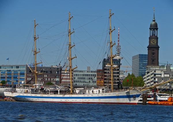 Segelschulschiff Mir