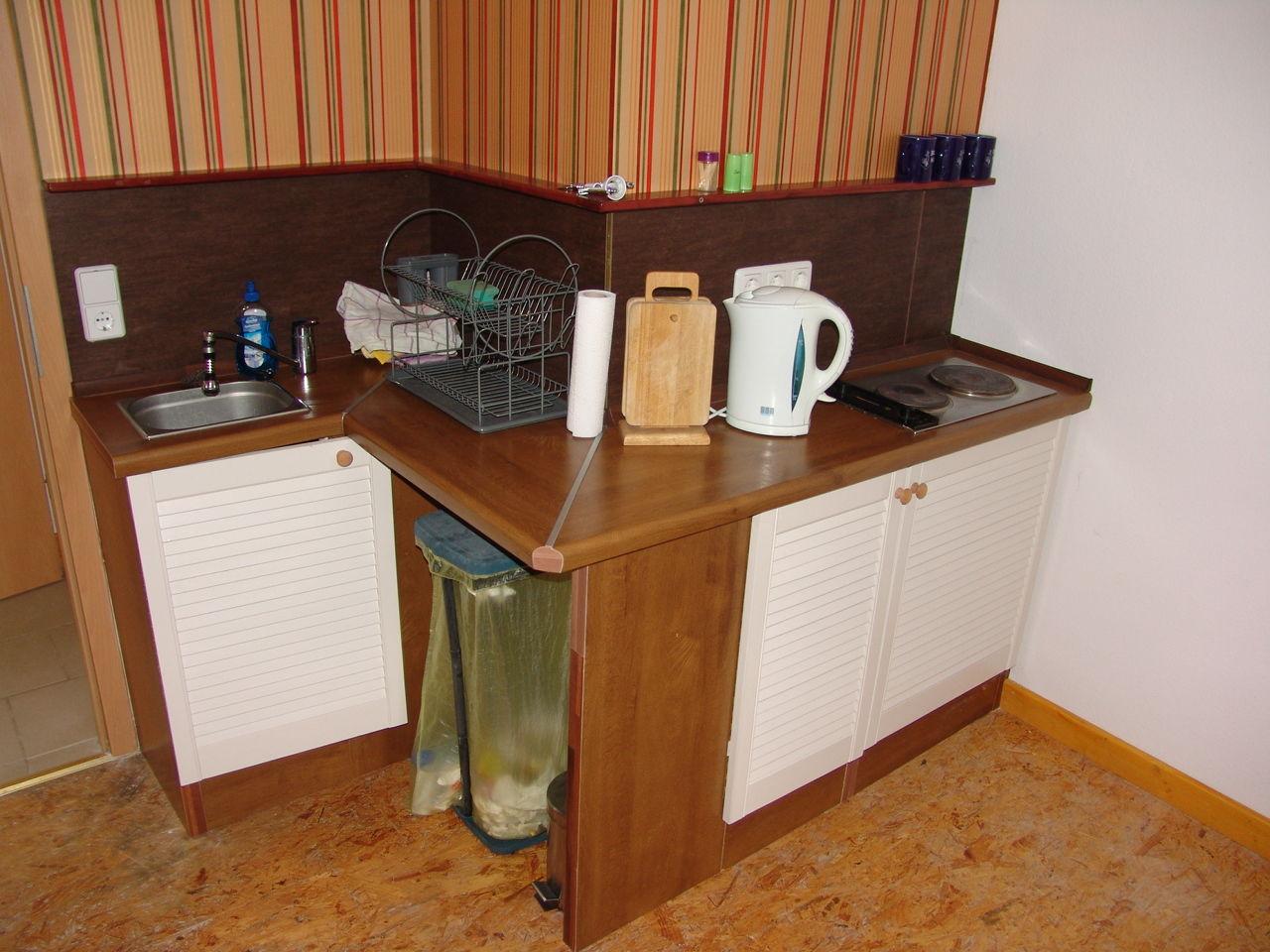 Der mueckenbusch der kleine bungalow for Kleine kuche mit sitzgelegenheit