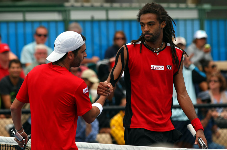 Picture: Grand Slam Australian Open 2011  (25) Albert Montanes (ESP)  - Dustin Brown (GER) 6:4  6:2  3:6  2:6  7:5