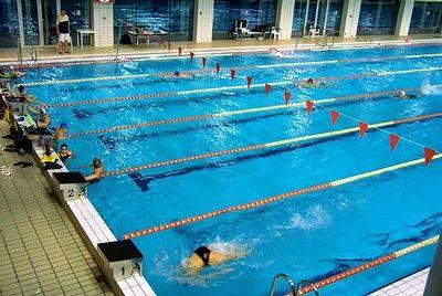 Estilos natacion centros for Piscina 50 metros cadiz