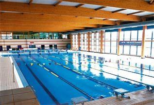 Estilos natacion centros for Piscina los alcazares