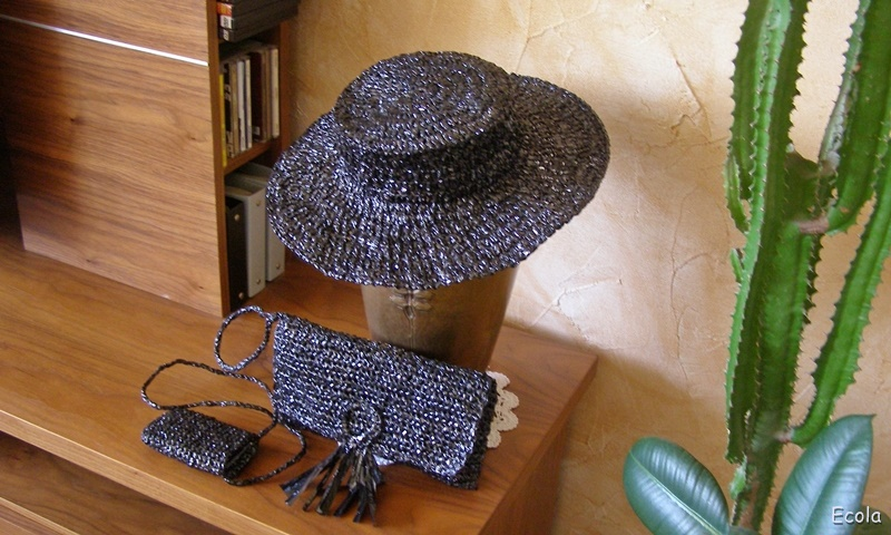 kapelusz-torebka-etui-z-tasmy.jpg