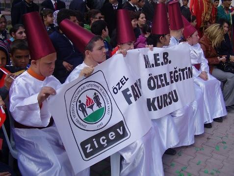 fatih özel eğitim kursu, kayseri, türk dünyası haftası, nevruz bayramı izleyen engell öğrenciler