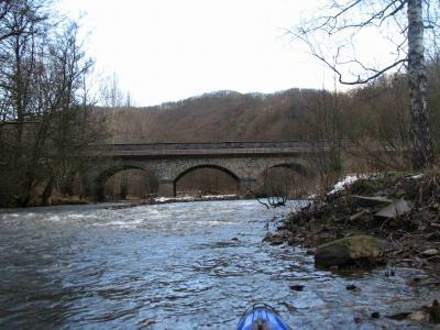 Straßenbrücke vor dem Campingplatz Schuld (nach der Durchfahrt)