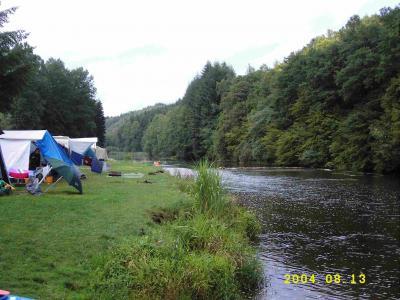 Auf dem Campingplatz in Poupehan an der Semoise.