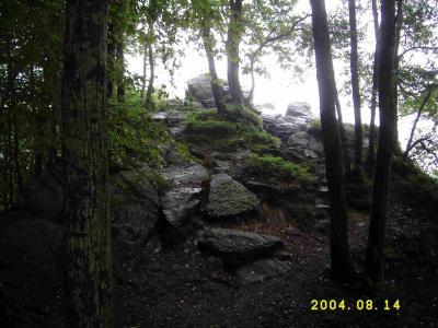 Im Felsengebiet Les Grandes Faloisjes.
