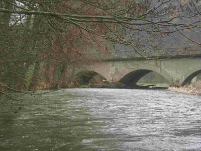 Eisenbahnbrücke vor Ahrbrück nach dem Oktoberhochwasser