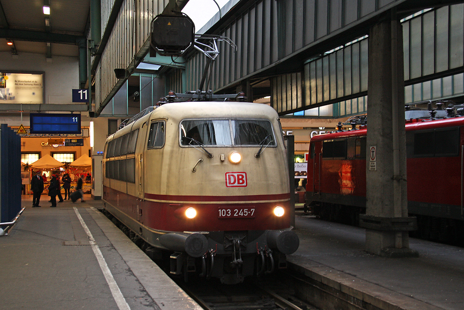 https://img.webme.com/pic/e/elbtalbahn/0473-103-245.jpg