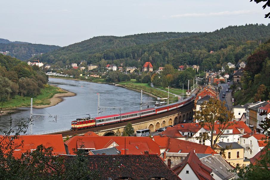 https://img.webme.com/pic/e/elbtalbahn/112-371-005.jpg