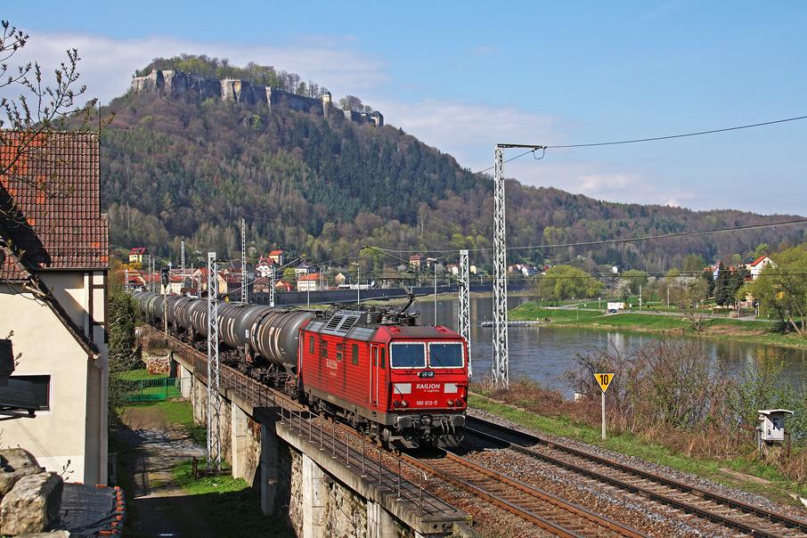 https://img.webme.com/pic/e/elbtalbahn/1658-180-013.jpg