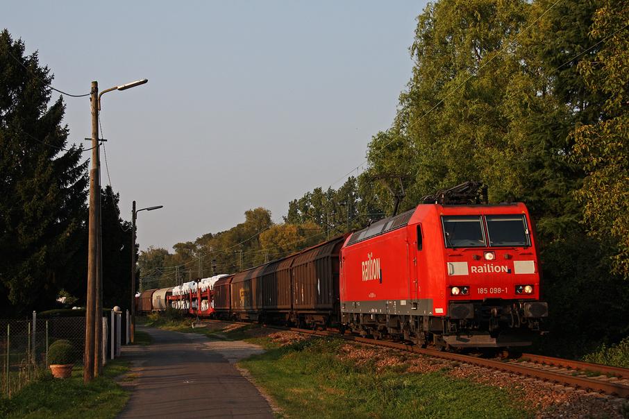 https://img.webme.com/pic/e/elbtalbahn/185-098_neu.jpg