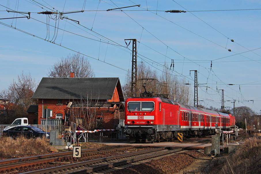 https://img.webme.com/pic/e/elbtalbahn/1877-143-070dino.jpg