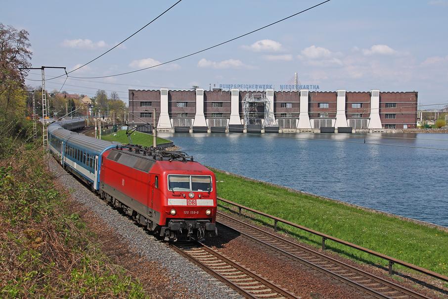 https://img.webme.com/pic/e/elbtalbahn/4758-120-159.jpg