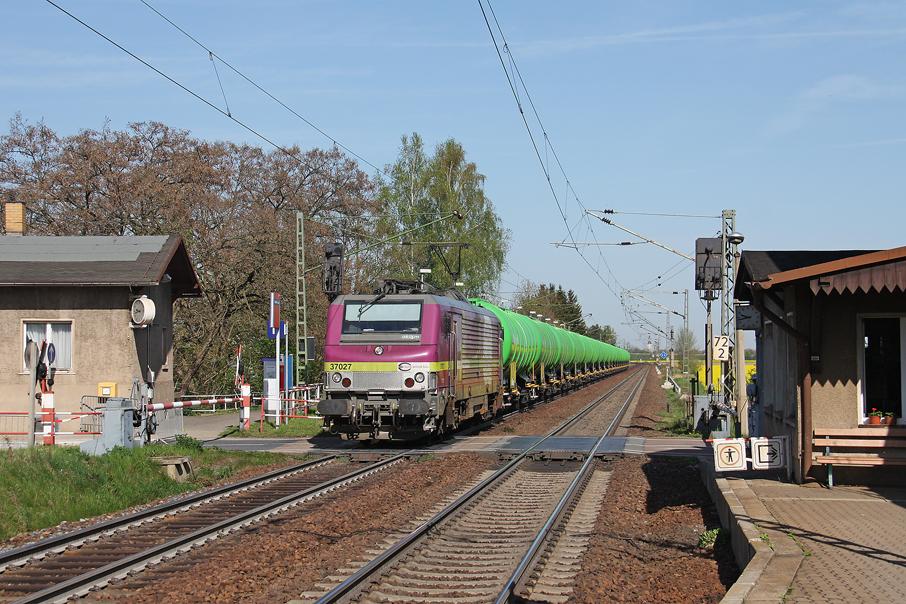 https://img.webme.com/pic/e/elbtalbahn/5235-37-027.jpg