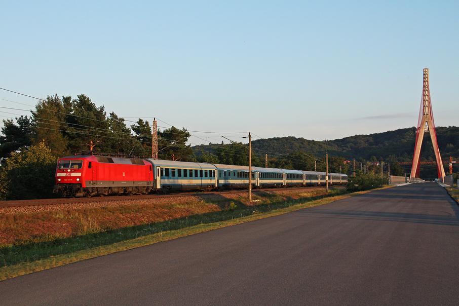 https://img.webme.com/pic/e/elbtalbahn/6713-120-127.jpg