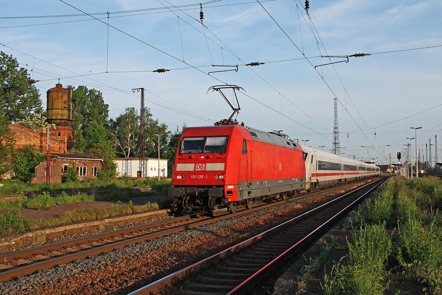 https://img.webme.com/pic/e/elbtalbahn/7136e-101-126.jpg