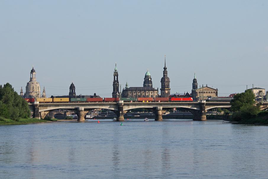 https://img.webme.com/pic/e/elbtalbahn/7162-185-084.jpg